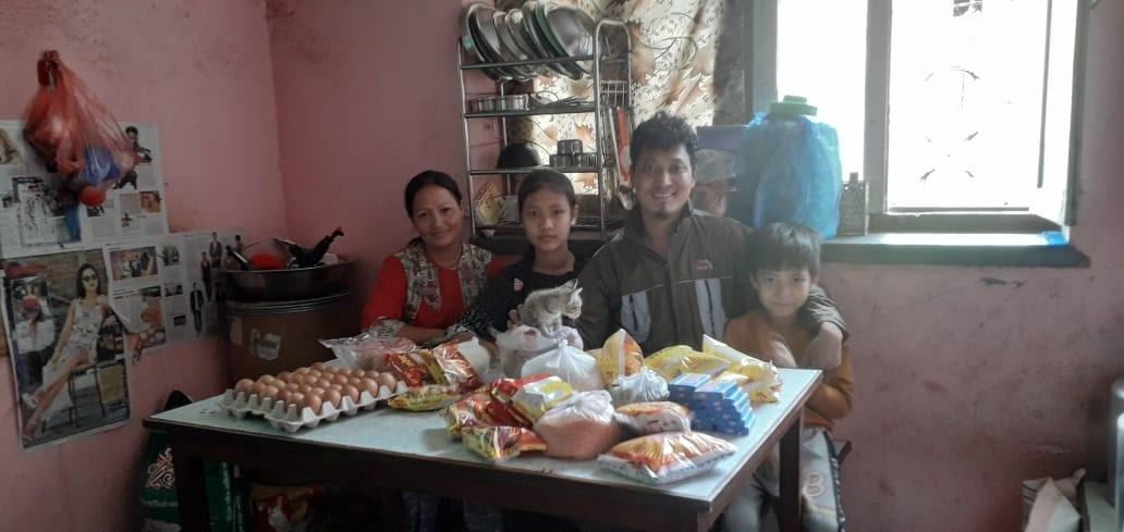 Arme Familien in Nepal freuen sich über jede Unterstützung.